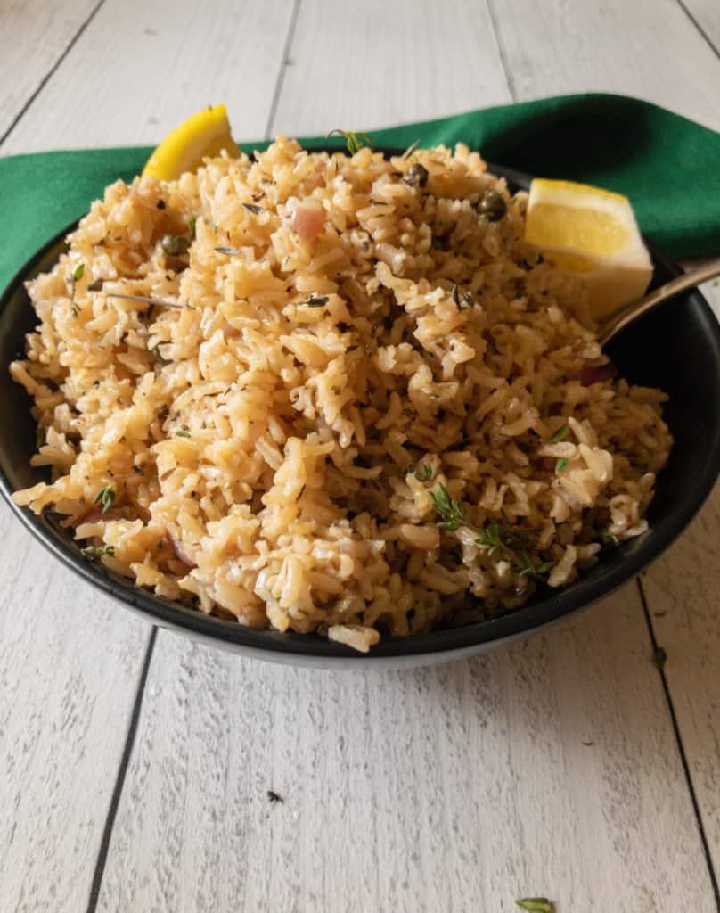 bowl of lemon herbed brown rice